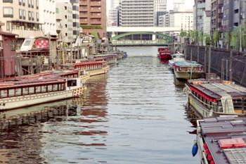 160509-17-houseboat.jpg